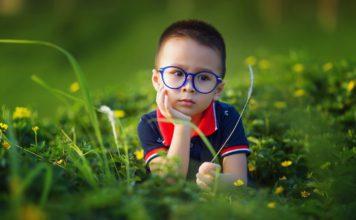 Enfant dans la nature